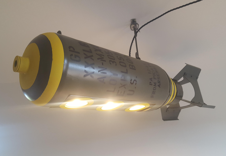 bomblamp1